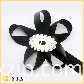 black long chain waterproof zipper