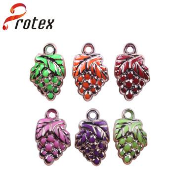 2015 Hot Sale Popular New Product Small Grape Colorful Plastic Ornament