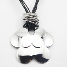 Buy From China Silver Metal Flower Pendant