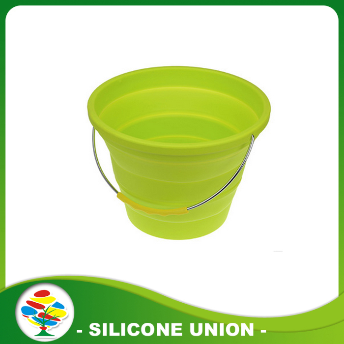 green silicone folding bucket