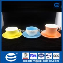 Подгонянный новый цвет косточки застекленный комплект чая с чашкой & плитой