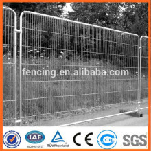 Temporary fencing with bottom fitting/Temporary fence of housing