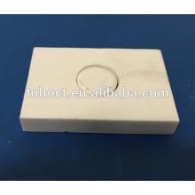 Ladrillo de cerámica de la placa de soldadura refractaria del horno de alta temperatura con el agujero