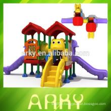 2015 vente chaude de plastique commercial pour enfants et structure de jeu en plein air