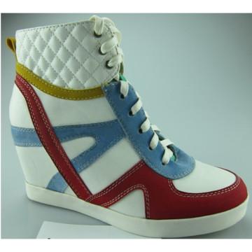 Neue Art- und Weisefrühlings-Keil-Schuhe im Freien (S 31)