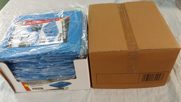 Blue PE tarps display packing