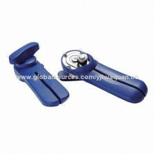 Environment-friendly handy safety can opener