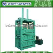 máquina de compresión de papel usado