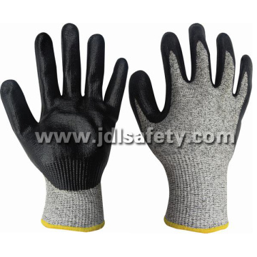 Hppe Knitted Safety Glove with Foam Nitrile Dipping (ND8047)