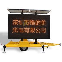 Trailer de sinalização solar montado display de tráfego conduzido