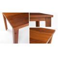 Квадратные столы для столовой и ресторана из массива дерева в загородном стиле