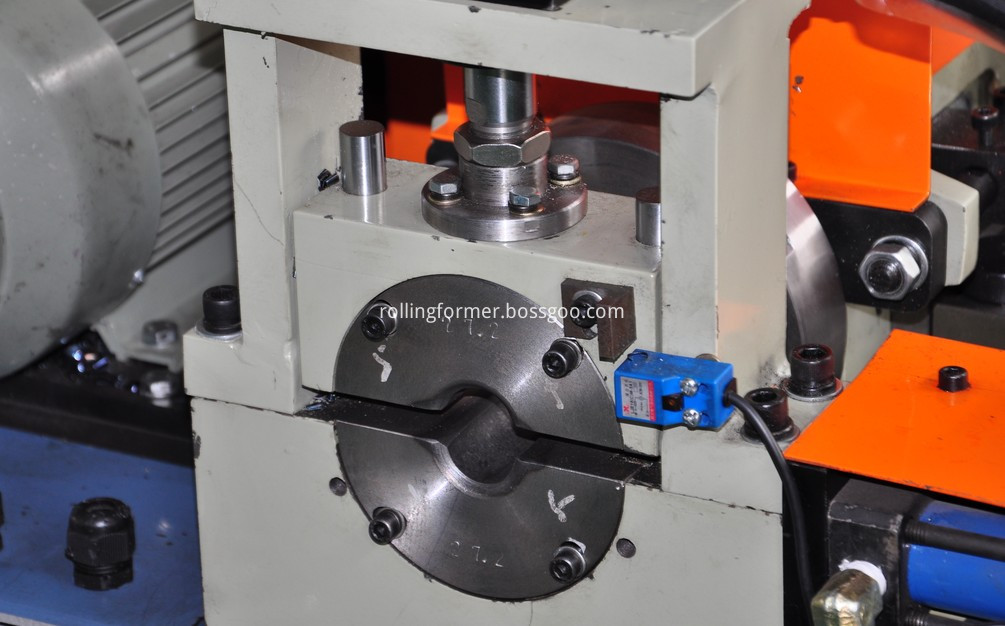 tube end deburring machine