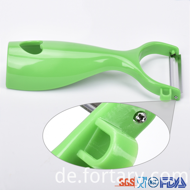 Ergonomic Vegetable Peeler