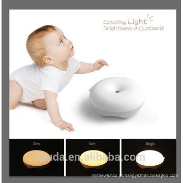 O bebê conduziu a luz da noite do interruptor do sensor, luz conduzida da noite para o carregamento das crianças USB