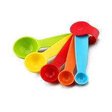 Colheres de medição de plástico colorido