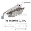 mit Eisenarm Kunststoff-Straßenlaterne für CFL Energiesparlampe