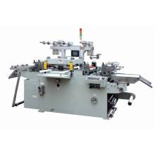 Etiqueta adesiva DOT máquina cortando com equipamento de perfuração