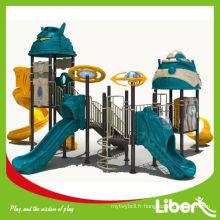 Installation de matériel de terrain pour enfants en plein air avec outils gratuits et manuel