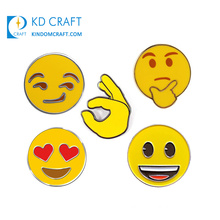 High Quality Cheap 3D Gold Hard Enamel Pin Badge with Chain Manufacturer Custom Design Girl Eye Emoji Cute Unicorn Animal Metal Soft Enamel Souvenir Lapel Pin