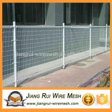 Doppelter horizontaler Drahtzaun / doppelseitiger Zaun
