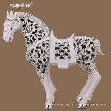 artesanía de resina decoración casera diseño moderno de alta calidad ahueca hacia fuera figura del caballo
