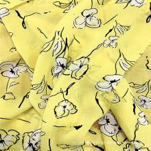 Elegante tela de mujer con estampado floral de rayón suave