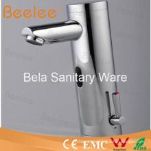 Grifo de sensor infrarrojo automático del mezclador de agua de una manija (QH0106A)