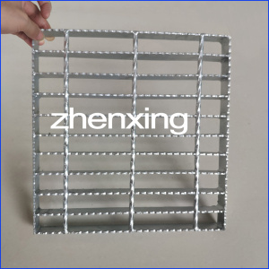 Industrial Metal Grating Walkway
