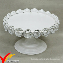 Hierro antiguo del soporte de la torta de boda del hierro del metal de la vendimia al por mayor con las rosas