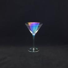 Покрытие красочного бокала для мартини пузырьком