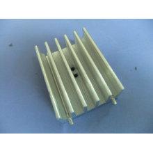 Radiateur usiné à usinage CNC personnalisé avec alliage d'aluminium anodisé de précision