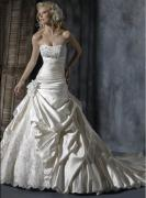 Hot sale Ivory beads and hand made embroidery wedding bridal dress