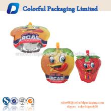 Plastikgetränktasche steht oben Verpackungsbeutellebensmitteltüllenbeutel mit Logodruck für Flüssigkeit