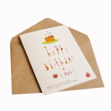 Tarjeta de cumpleaños de papel de regalo personalizada a todo color