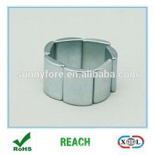 Гуандун производитель дуговой сегмент магниты образцов