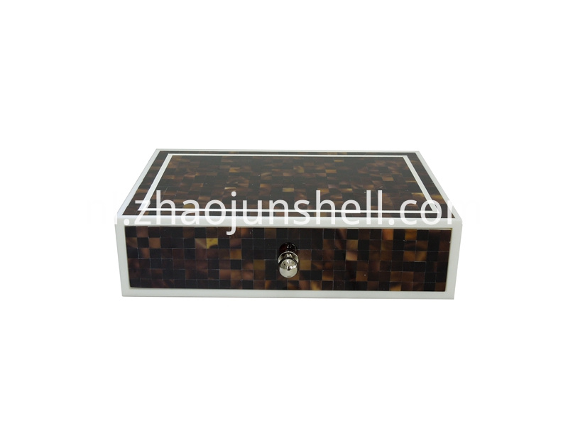 pen shell amenity box