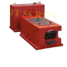 Двухступенчатый редуктор 65/132 для экструдера