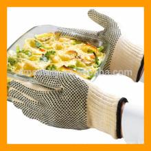 Conception antidérapante et gant de BBQ résistant au feu de style pointillé