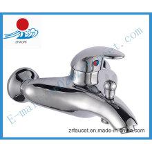 Robinet de douche en laiton à une poignée en Sanitary Ware (ZR20401)
