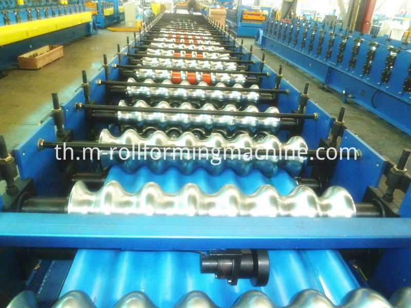Corrugated steel roll forming making machine