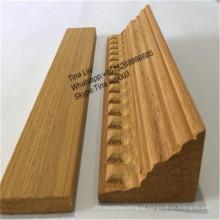 Moldura triangular de madeira de teca