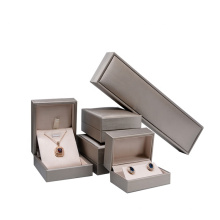Custom Logo Quality Gold Silver Packaging Jewelry Boxes Ring Bracelet Necklace Pendant Jewellery