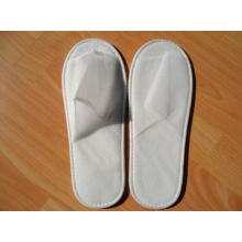pantoufles jetables bon marché pour la pantoufle jetable de tissu non tissé d'invités d'hôtel pour l'hôtel