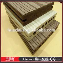 Decking plástico composto WPC barato para a ponte do cavalete da madeira