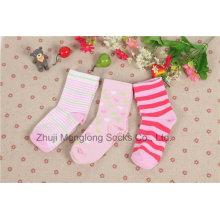 Calcetines encantadores del algodón de la buena calidad del bebé hechos del algodón fino pasaron el informe de prueba de su