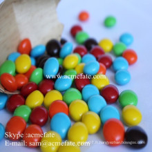 Distributeurs de chocolat arachides à l'intérieur du chocolat à la boule