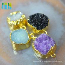 Pendente de forma livre natural de diamante áspero com borda de galvanização de ouro