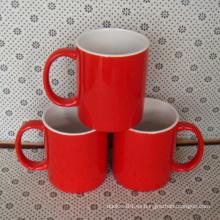 Taza de cerámica roja de encargo 2016 con el logotipo impreso de la compañía
