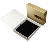 High Quality Gold Colour Jewelry Box with Black Velvet Tray (YY-J0002)