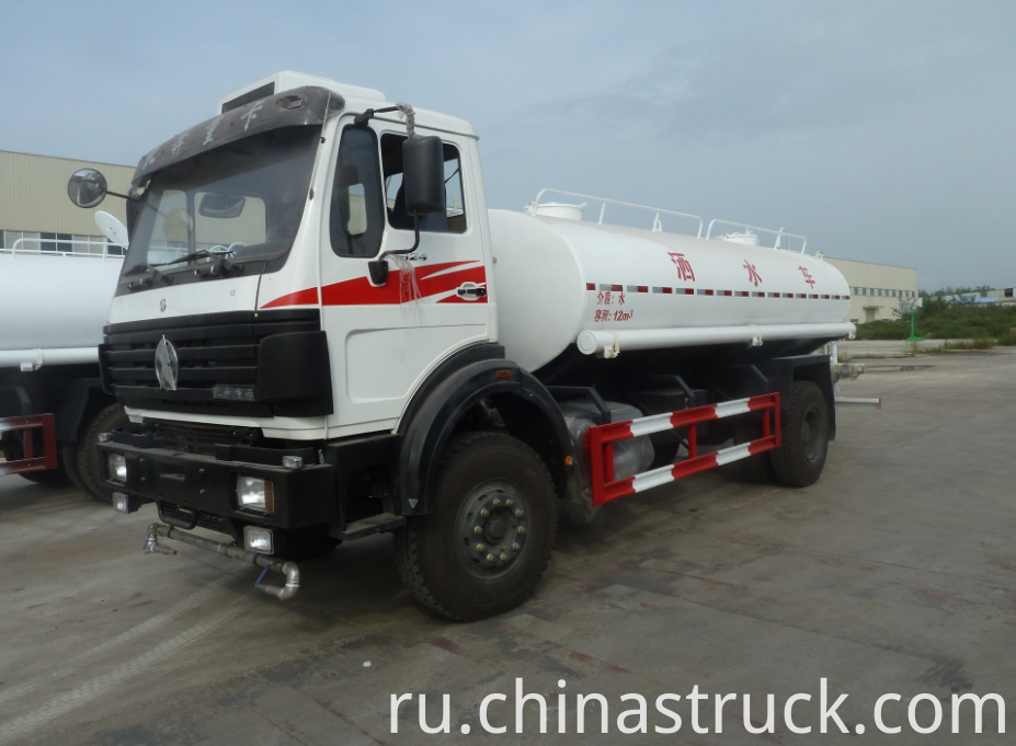 NORTH BENZ 4x2 10000 liters water tank